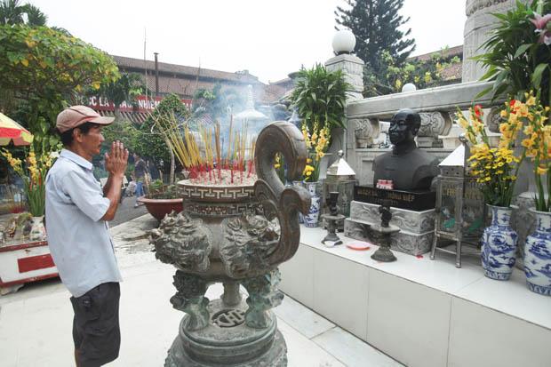 Quach_Dam_Cho_Binh_Tay